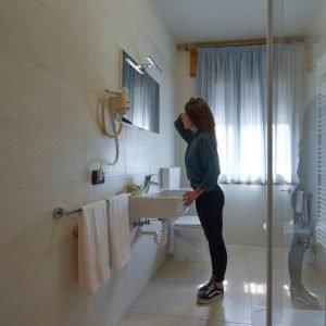 Bagno camera hotel Da Romagnolo, a Noventa Vicentina
