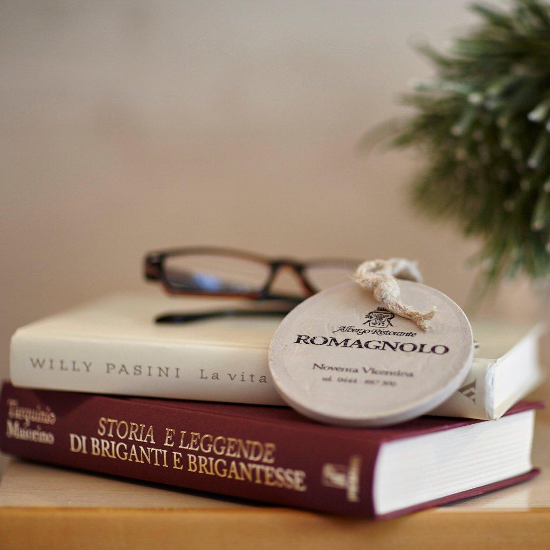 Camera singola dettaglio libri